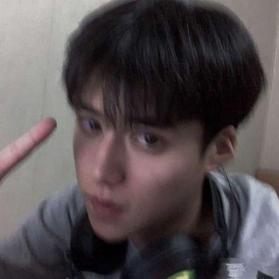 高清好看的帅气男生图片真人照片_WWW.QQYA.COM