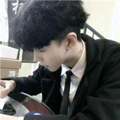 冷漠个性男生头像_WWW.QQYA.COM