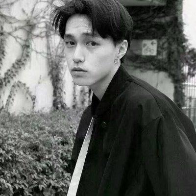 高清霸气冷酷的男生头像黑白图片精选_WWW.QQYA.COM
