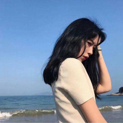 女头蓝色控_WWW.QQYA.COM