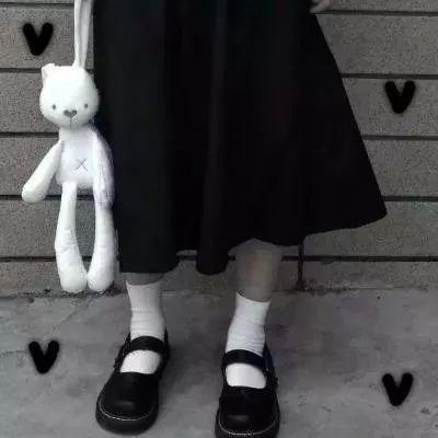 微信头像丧女真人_WWW.QQYA.COM