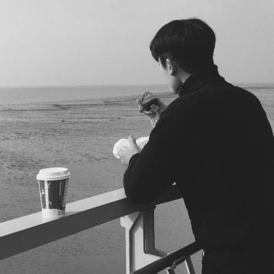最新微信头像男生黑白高冷帅气_WWW.QQYA.COM