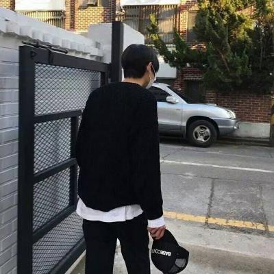 高清微信男生背影头像个性伤感_WWW.QQYA.COM