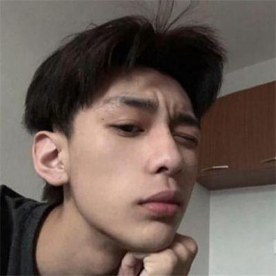 冷漠的男生头像_WWW.QQYA.COM