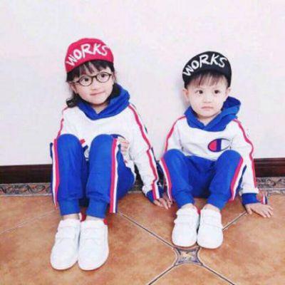 小孩情侣头像一人一个_WWW.QQYA.COM