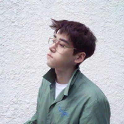 帅气简约风男生头像_WWW.QQYA.COM