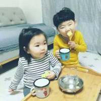 么么哒可爱小孩子情侣头像_WWW.QQYA.COM