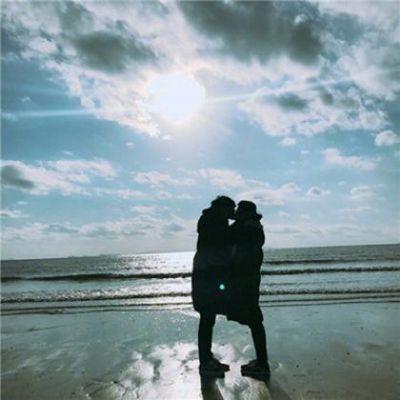 最热情侣头像一人一半_WWW.QQYA.COM
