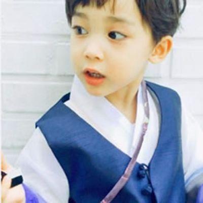唯美小男孩头像高清_WWW.QQYA.COM