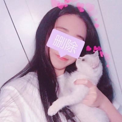 抱猫的女生头像图片_WWW.QQYA.COM