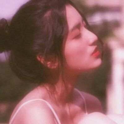 微信头像女生侧脸_WWW.QQYA.COM