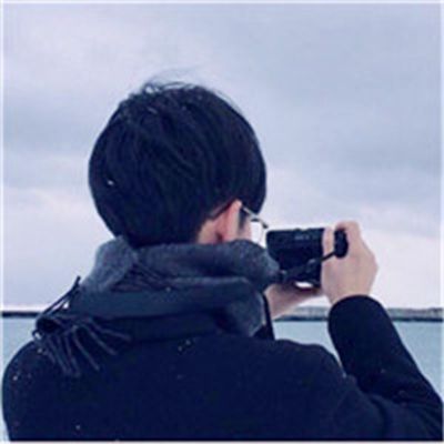 帅哥背影头像照片_WWW.QQYA.COM