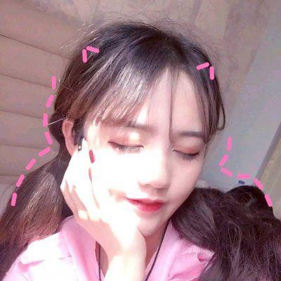 开心的头像女生图片_WWW.QQYA.COM