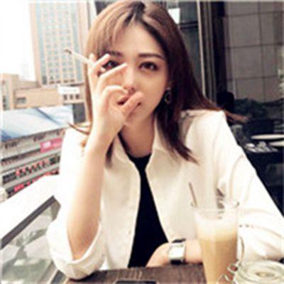 社会女孩抽烟头像霸气_WWW.QQYA.COM