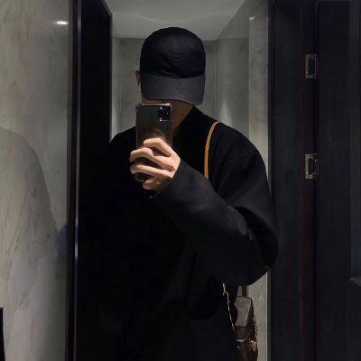 好看的帅气男生高清头像图片_WWW.QQYA.COM