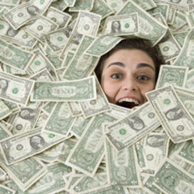 炫富一堆钱照片图片头像_WWW.QQYA.COM