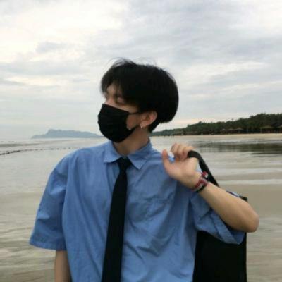 男生戴口罩头像高清_WWW.QQYA.COM