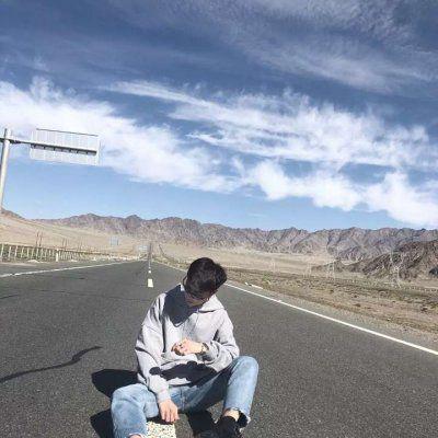 好看的头像图片男生_WWW.QQYA.COM