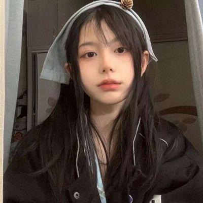 又丧又酷的女生微信头像_WWW.QQYA.COM