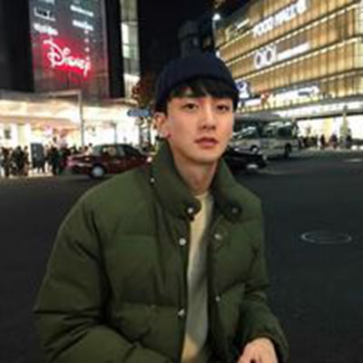 冷酷的帅气男生微信头像_WWW.QQYA.COM
