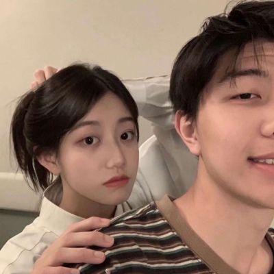 低调成熟微信情侣头像_WWW.QQYA.COM