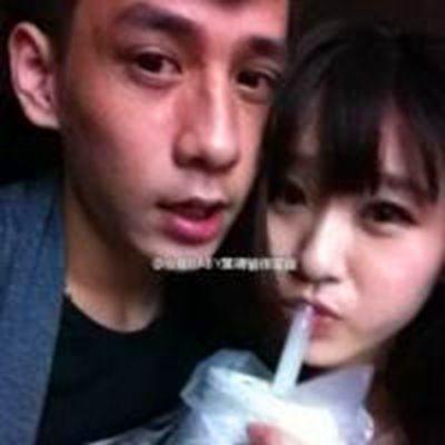 学生情侣头像一对一张_WWW.QQYA.COM