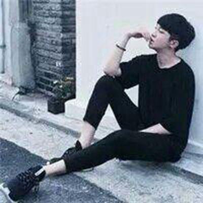 qq伤感头像男生带孤独不带字_WWW.QQYA.COM