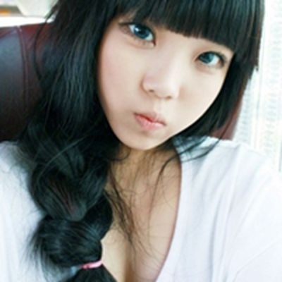 女生齐刘海头像图片_WWW.QQYA.COM