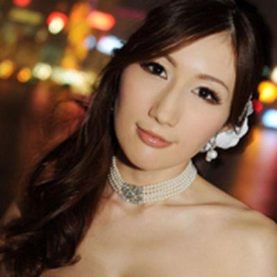 g罩杯性感超模头像图片_WWW.QQYA.COM