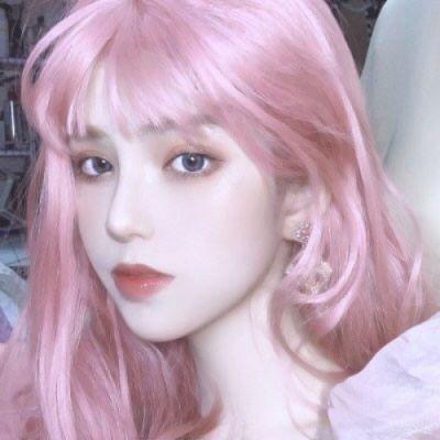 女生粉色头发头像_WWW.QQYA.COM
