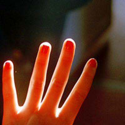 唯美手指头像图片_WWW.QQYA.COM