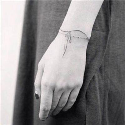 小清新纹身手腕头像_WWW.QQYA.COM
