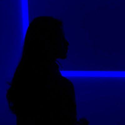 高清好看的情侣头像真人背景唯美图片一对两张_WWW.QQYA.COM
