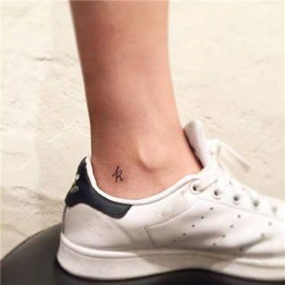 脚部纹身头像_WWW.QQYA.COM