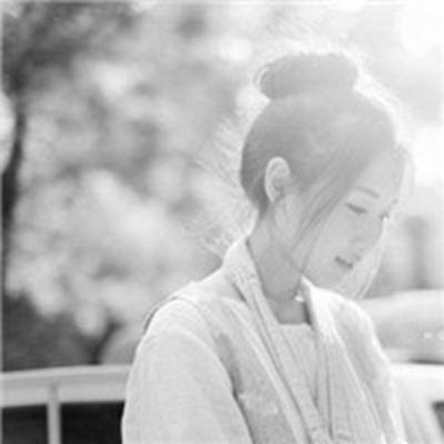 阳光此时是我最好的朋友黑白头像_WWW.QQYA.COM