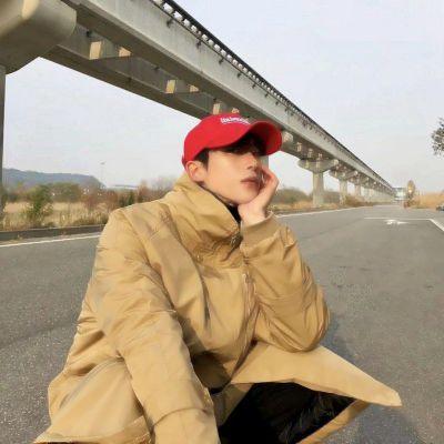 青少年绅士头像男生_WWW.QQYA.COM