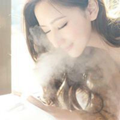 非主流叼烟女生头像_WWW.QQYA.COM