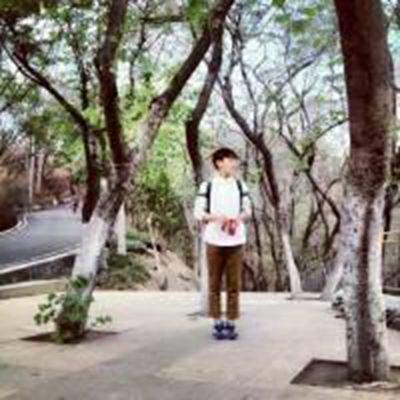 个性韩式男生头像全身背影的_WWW.QQYA.COM