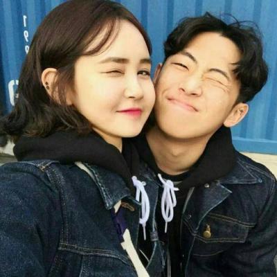 热门受欢迎的情侣微博头像合照两张_WWW.QQYA.COM