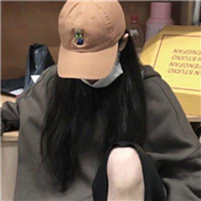 不露脸的戴帽女生头像_WWW.QQYA.COM