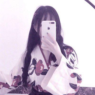 微信头像女生拿手机遮脸_WWW.QQYA.COM