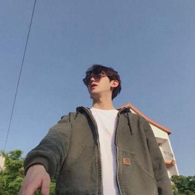 阳光型男生头像_WWW.QQYA.COM