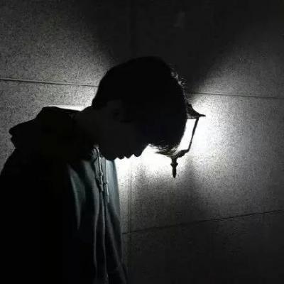 微信头像男生黑白头像_WWW.QQYA.COM