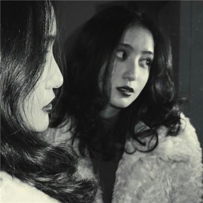 冷酷霸气的女生黑白头像_WWW.QQYA.COM