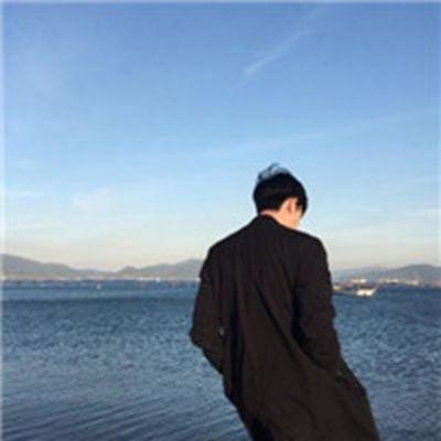 夕阳男生背影微信头像_WWW.QQYA.COM