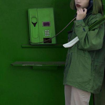 纯绿色女生个性头像_WWW.QQYA.COM