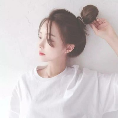 女生头像白色系_WWW.QQYA.COM