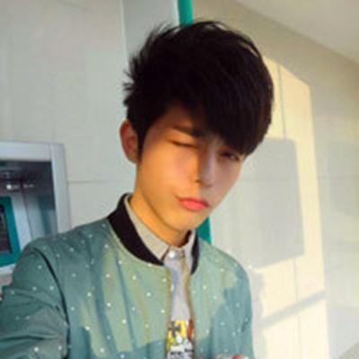 高高的颧骨时帅气男生头像_WWW.QQYA.COM
