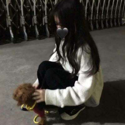 女生不露脸的微信头像_WWW.QQYA.COM