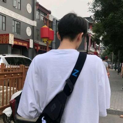 高清帅气的真实头像图片男生活照片_WWW.QQYA.COM